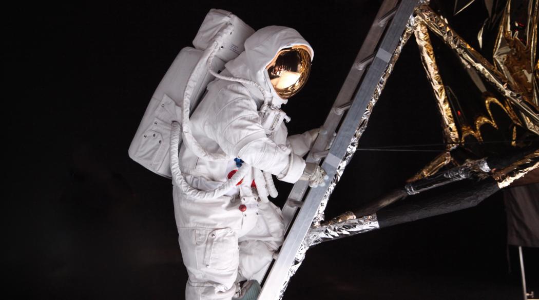 Tajemnice lądowania na Księżycu