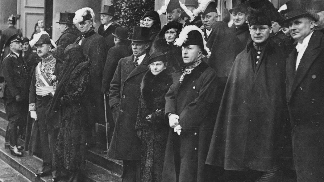 """Dokument """"Ambasadorowie w Berlinie: przed II wojną światową"""" w Polsat Viasat History"""